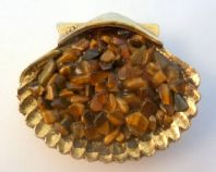 Vintage Tigers Eye Chip Gemstone Scallop Shell Brooch By Hollywood.